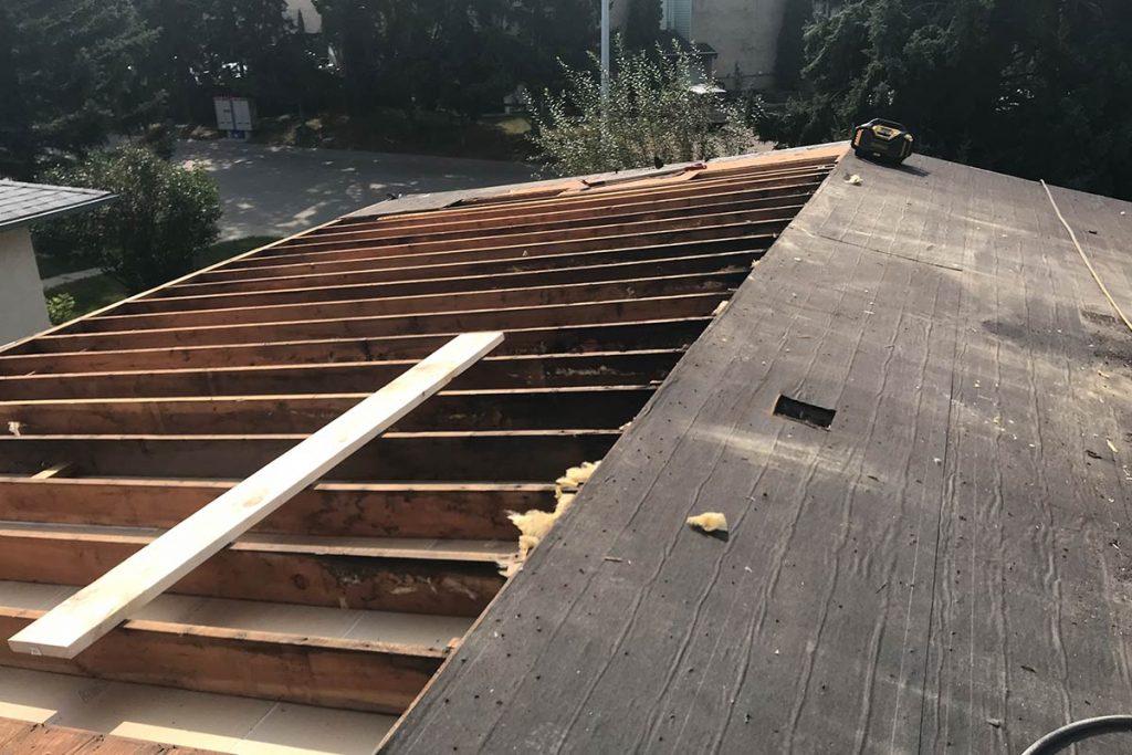Emergency roof repairs in Edmonton